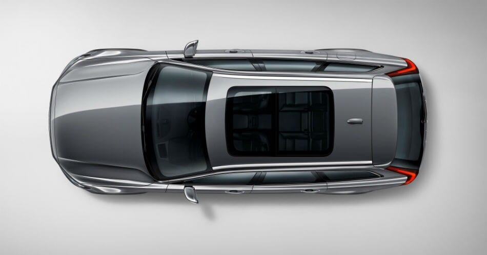 Expert view on design - Volvo V90 Cross Country studio birds eye_1