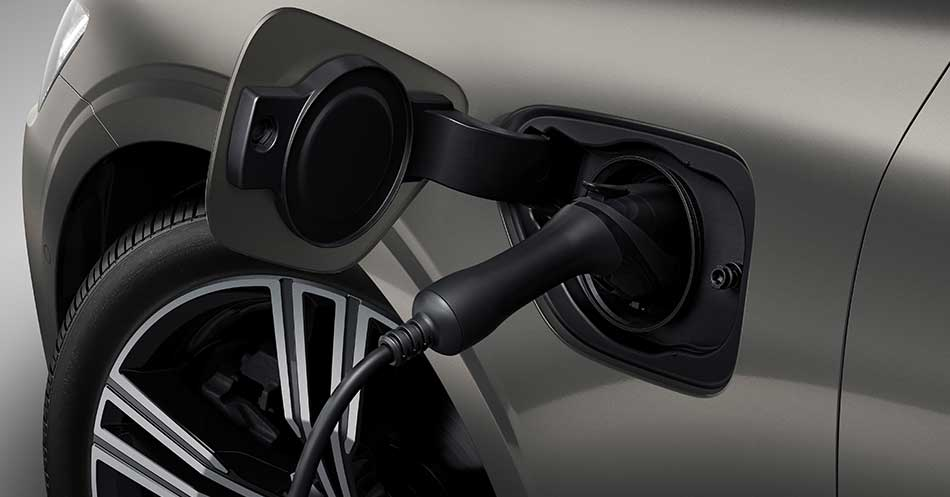 Volvo plug in charge