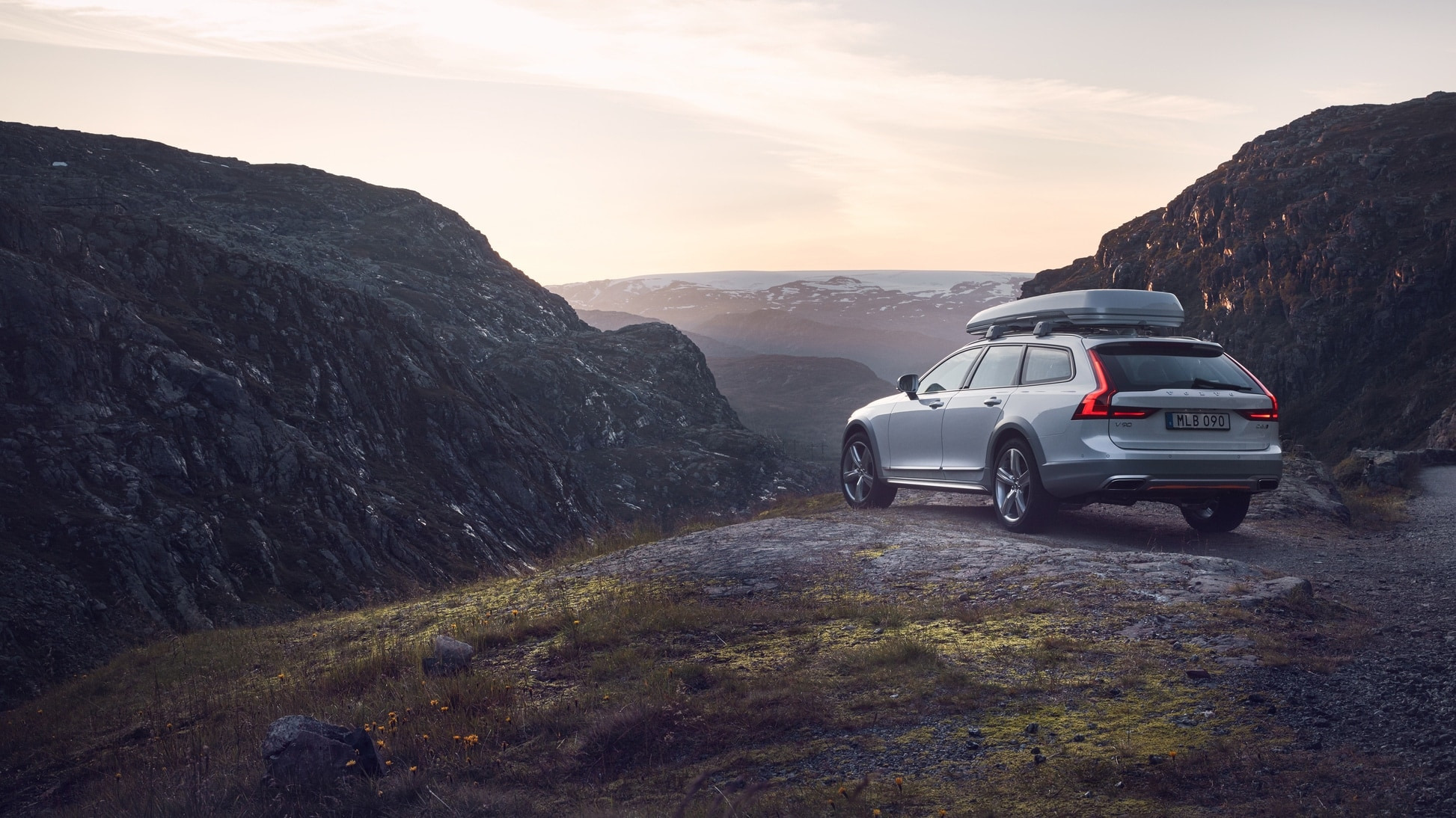 Volvo V90 Cross Country Volvo Ocean Race Standbild Hinteransicht
