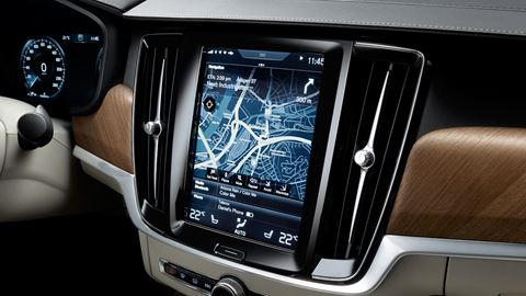 Infotainment - Der Volvo S90 INSCRIPTION - Interieur Aufnahme von Display der Amatur