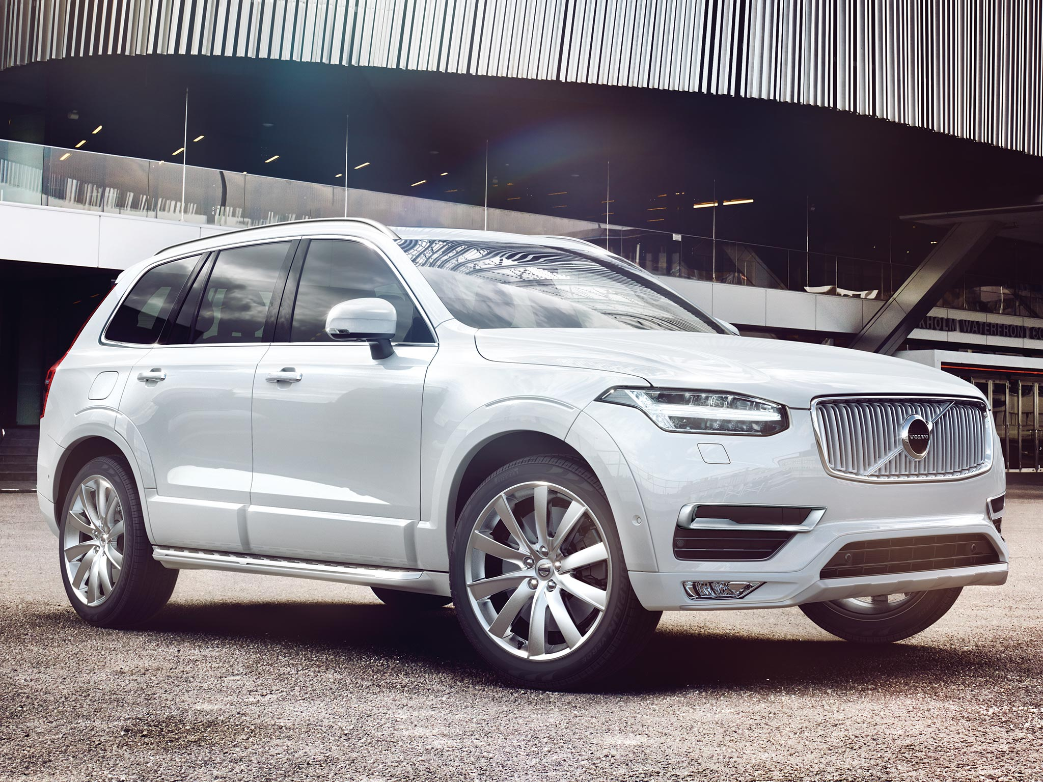 Lateral blanco Volvo XC90