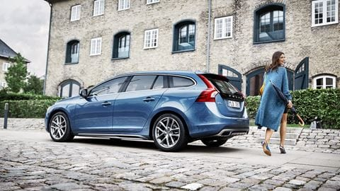 Volvo V60 Pictures and Gallery