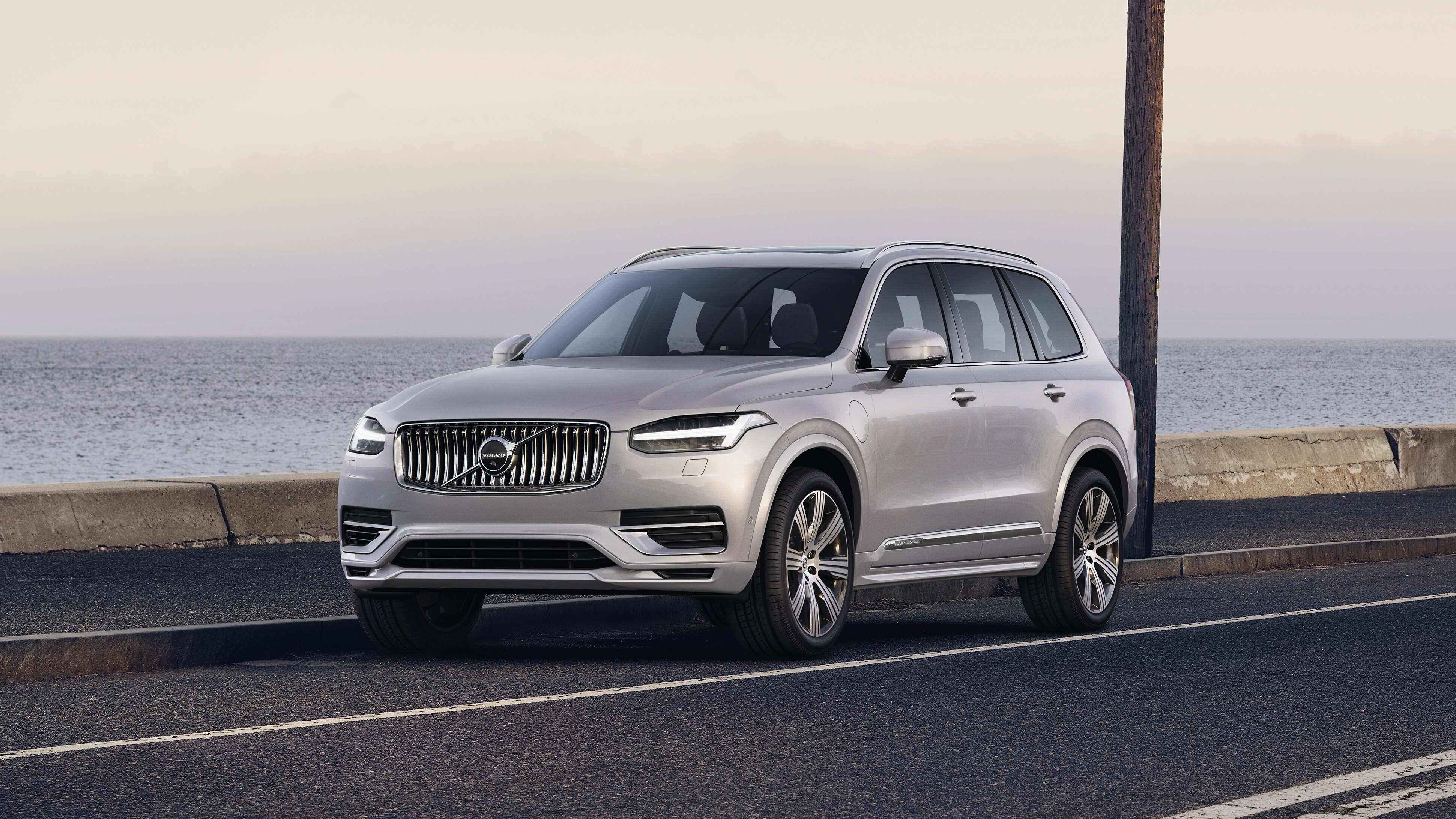 Offre LLD professionnels SUV 7 places Volvo XC90 T8 Twin Engine Momentum