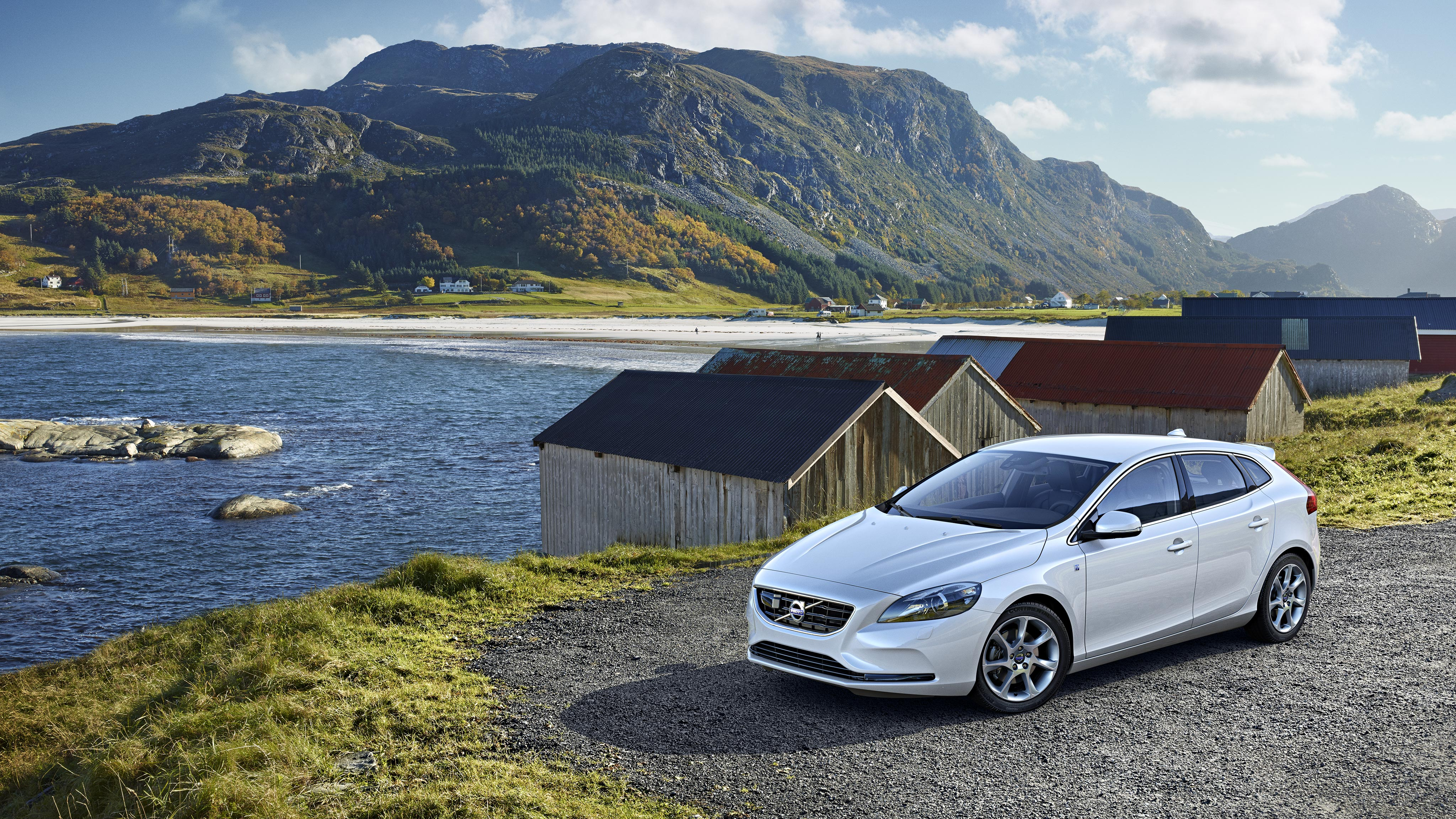 Volvo V40 oceanside