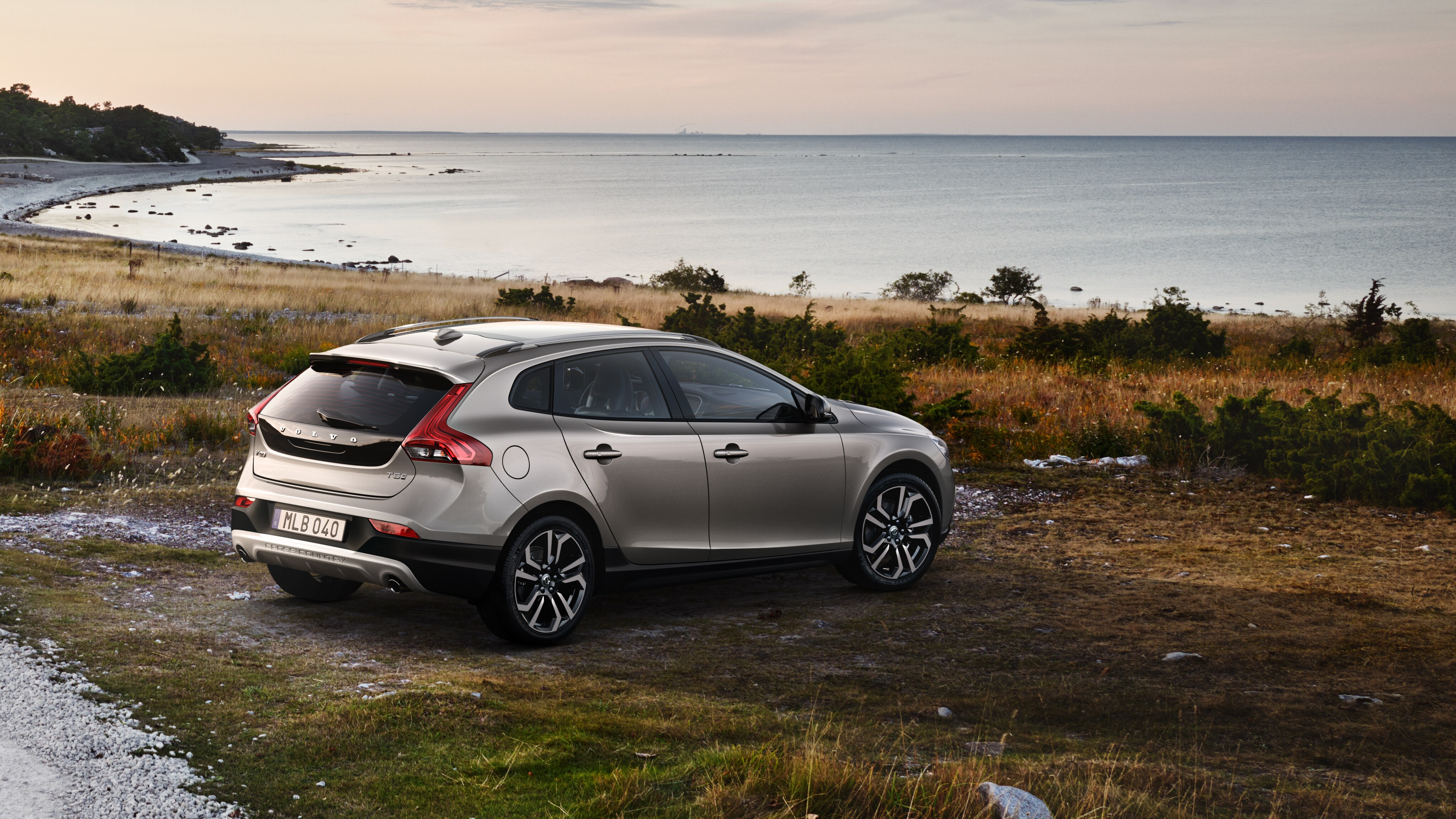 V40 Cross Country | Volvo Cars