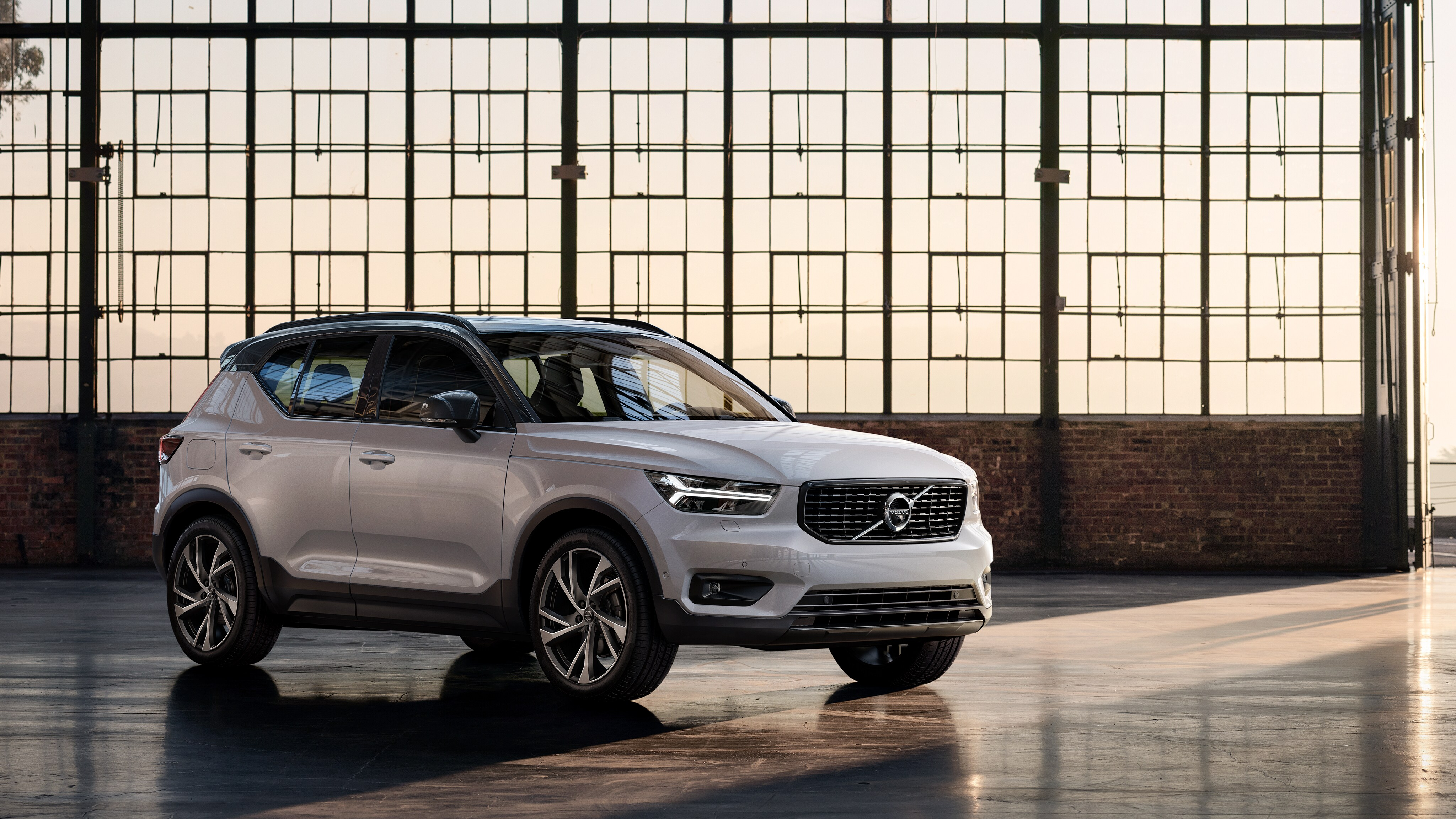 Volvo XC40 To Be Launched In June, Bookings Started In Few Dealerships