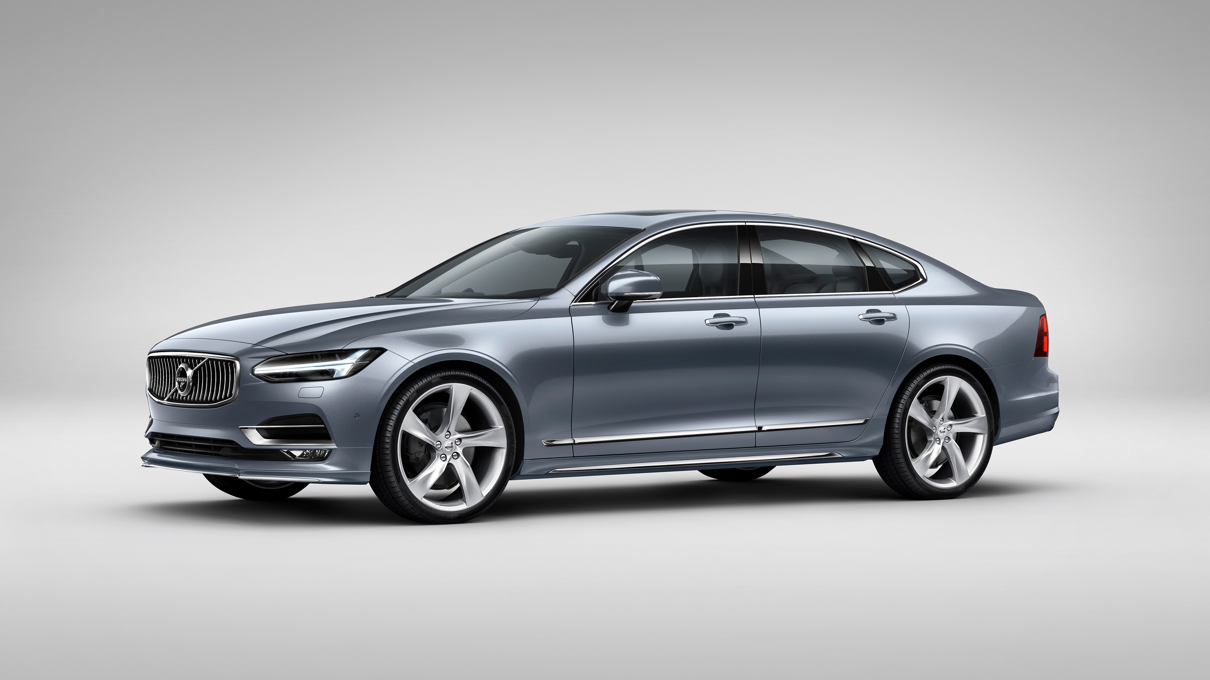 Front side view of the Volvo S90 Incsription