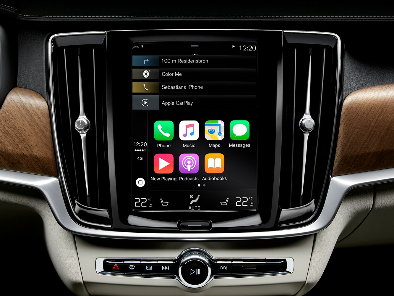 Close up of the infotainment system in the Volvo S90