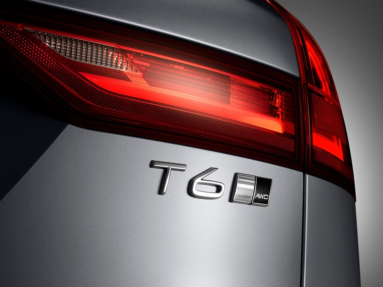 Close up of the T6 badge on the Volvo V90