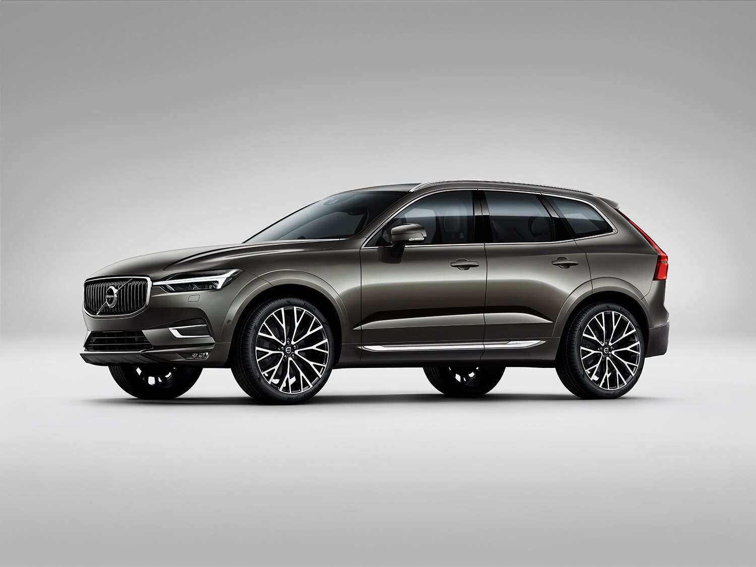 Front side studio shot of Volvo XC60