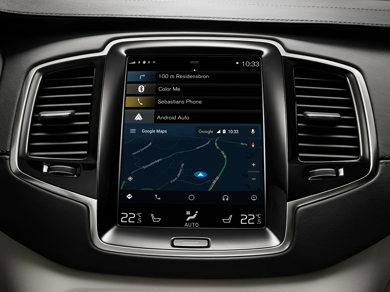 Close up of touch-screen centre dash board in the Volvo XC90