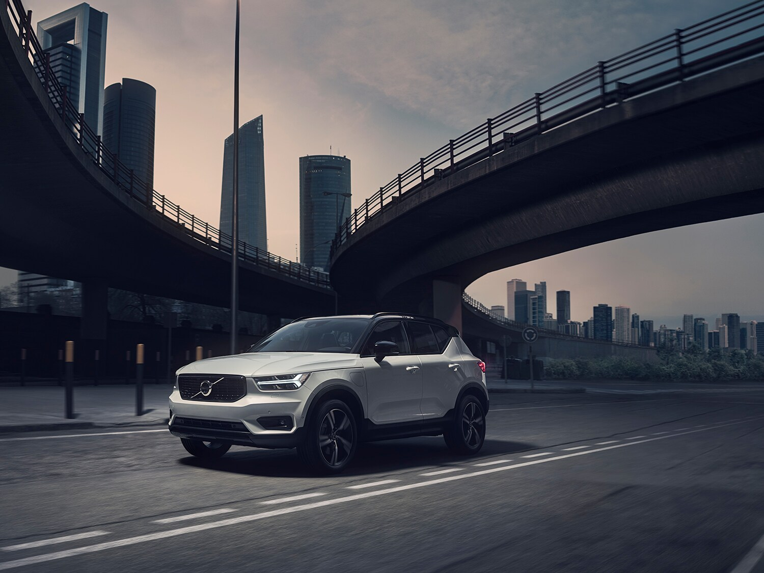 Xc40 R Design Sporty Suv Compact Crossover Volvo Cars