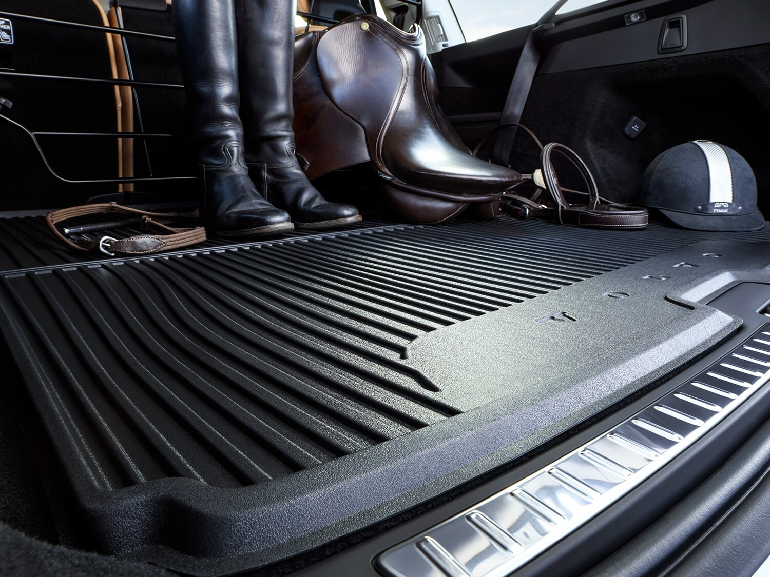 A tough durable luggage mat in the XC90