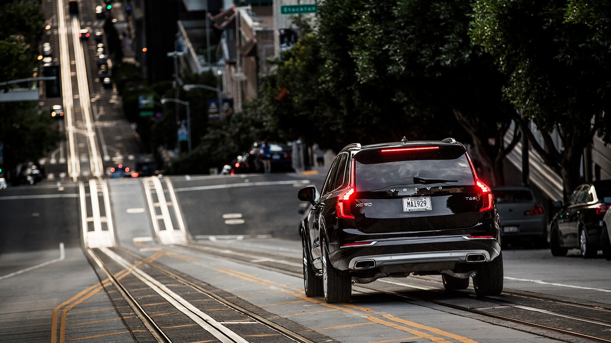 The Volvo XC90 premium city SUV decends the iconic streets of San Francisco