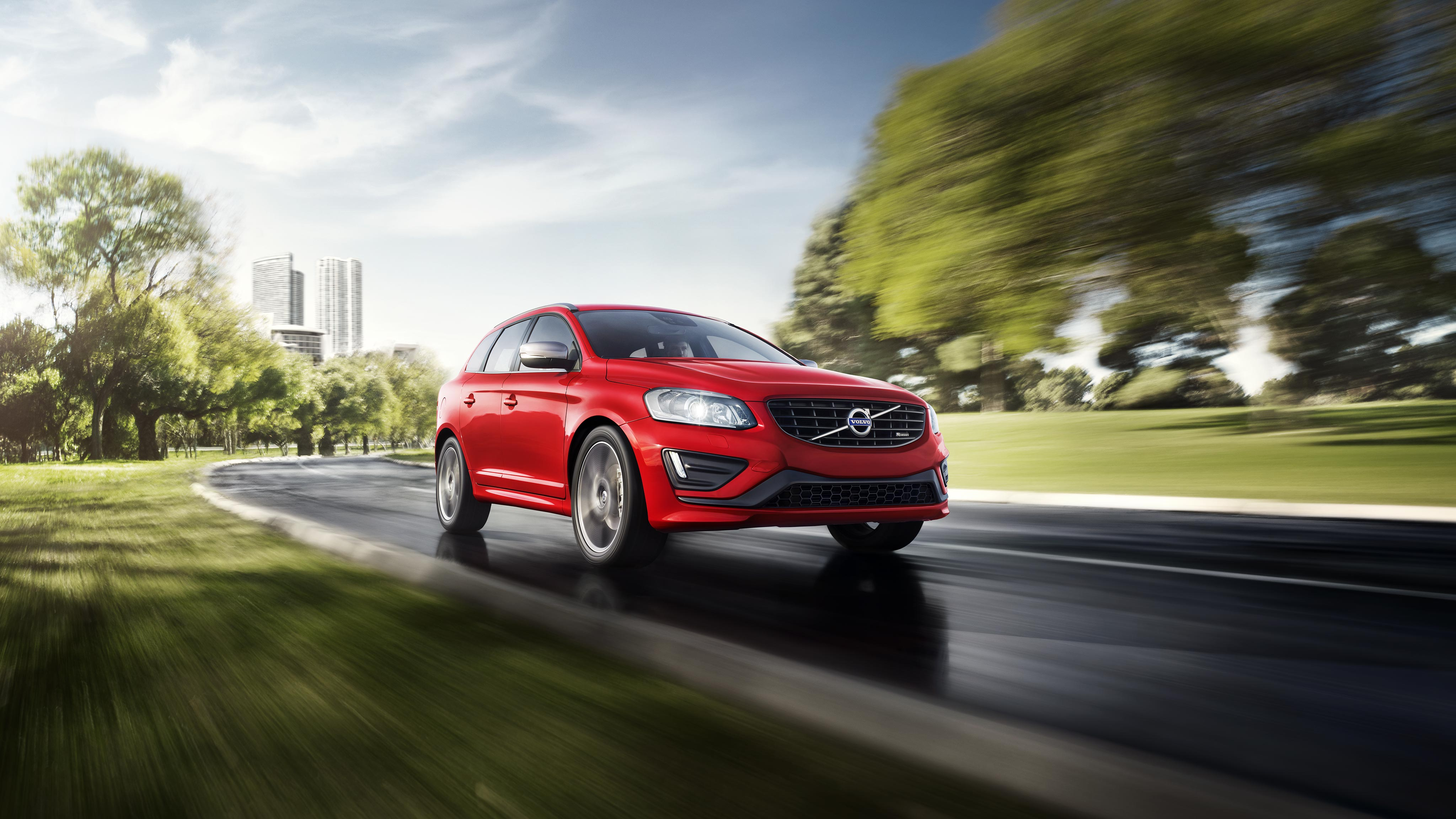 Volvo XC60 driving through city