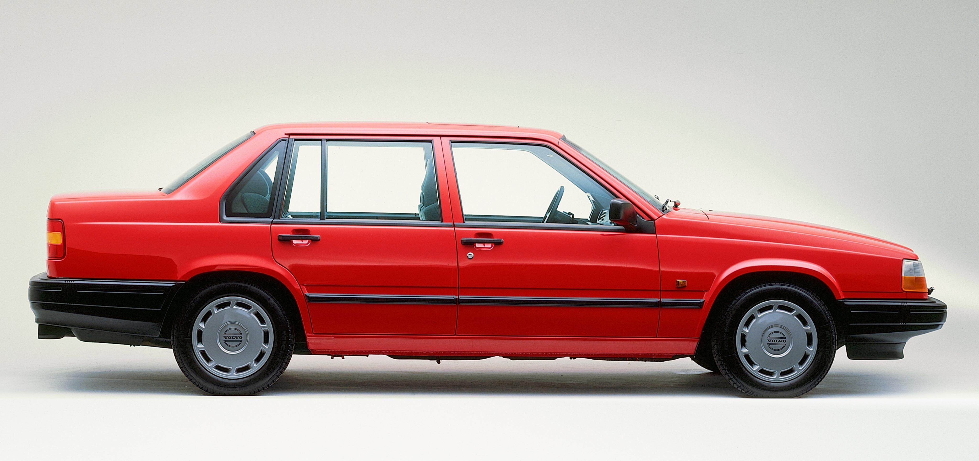 Volvo 940 sedan