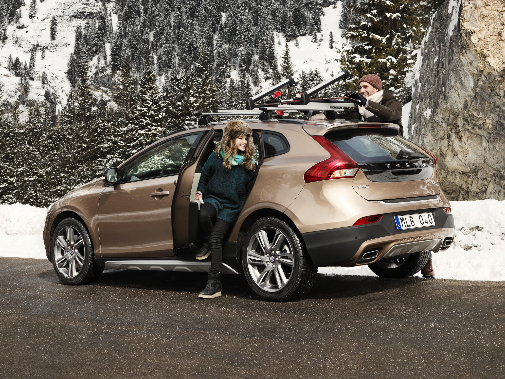 Discover Volvo V40 Cross Country