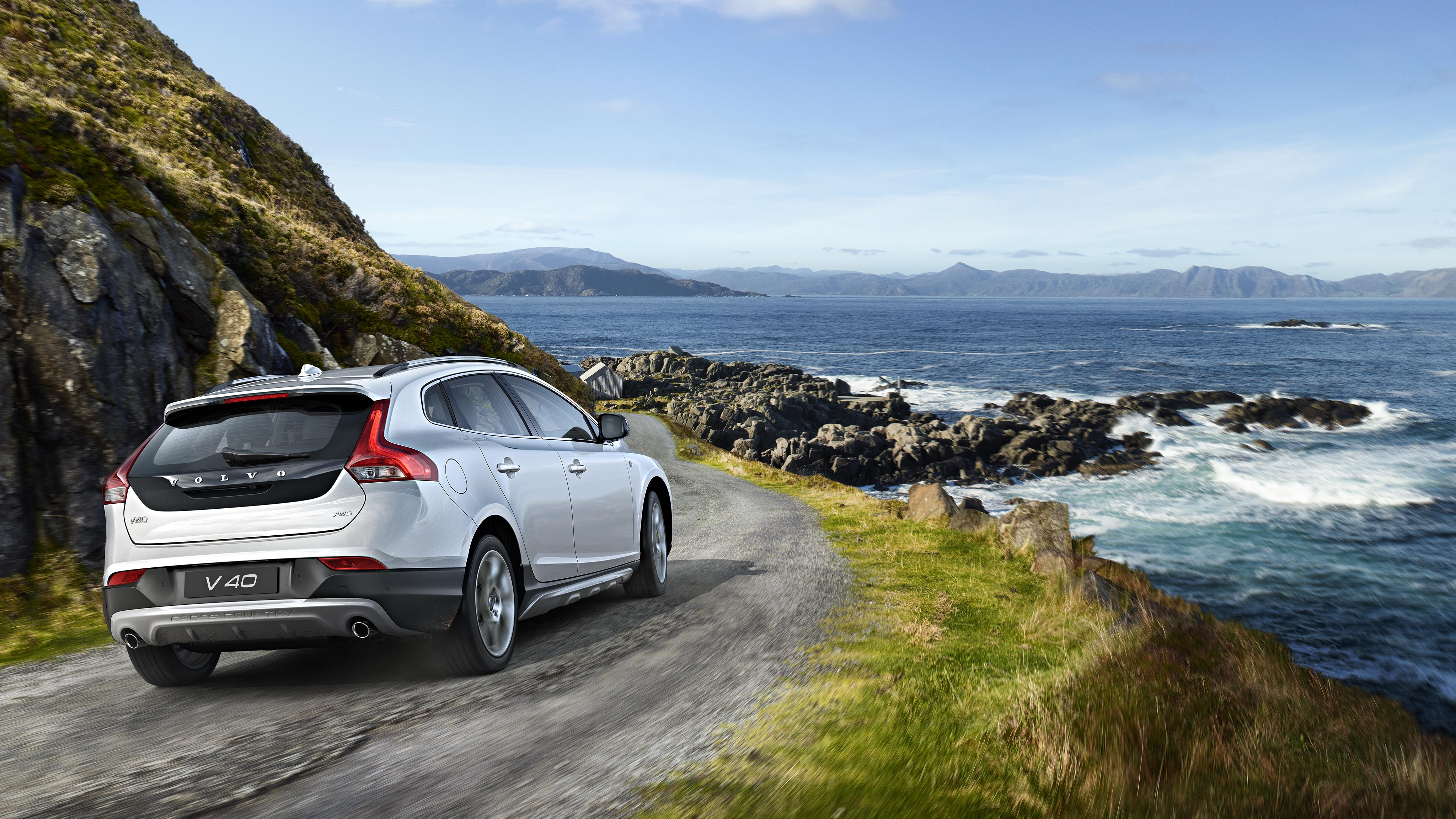 Explore Volvo V40 Cross Country Editions