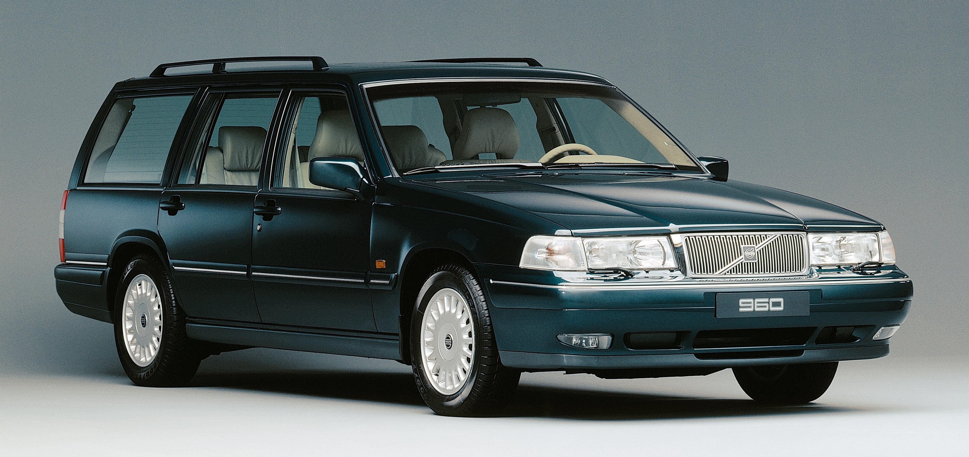 960 WAGON   Volvo Car USA