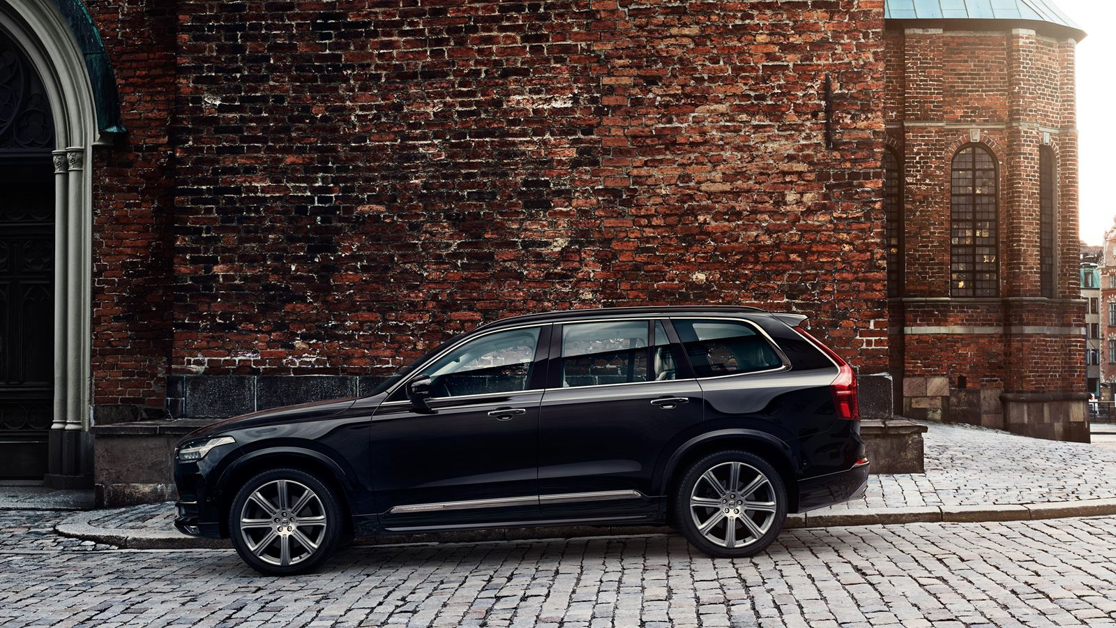 XC90 Exterior Side View