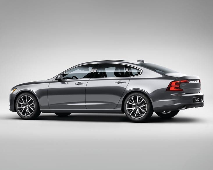 volvo s90 momentum left side view