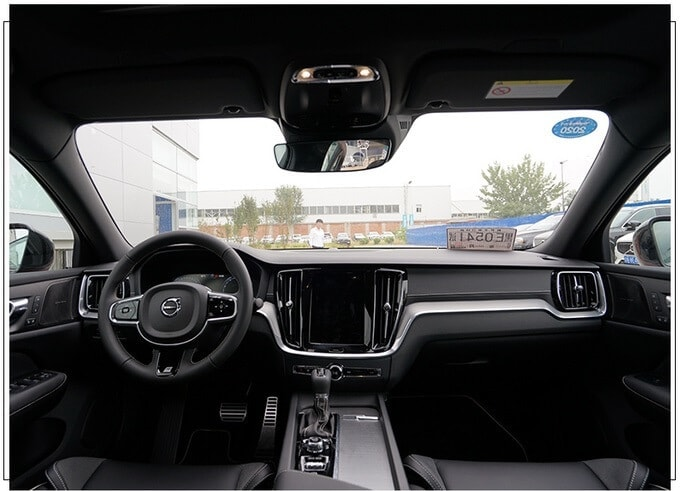 沃尔沃s60国产上市_沃尔沃国产全新S60实拍11月预售2.0T动力超3系|沃尔沃车官方网站